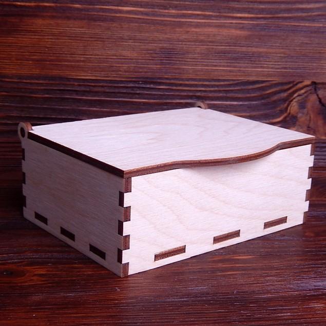 Коробка з кришкою